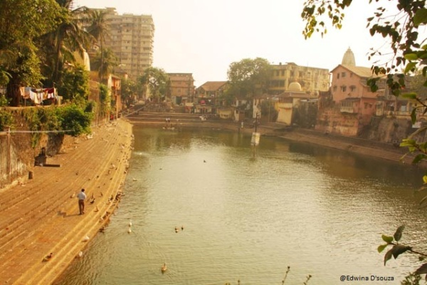 Banganga with buildings and slums by the side