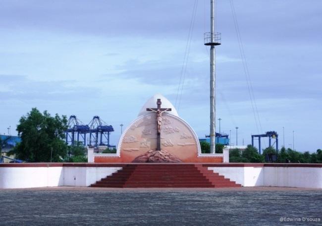 Vallarpadam Church Premises