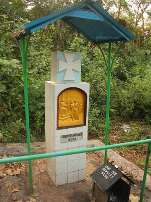 One of the Stations of the Cross pillared along the way - miraculous cross anjuna