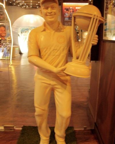 Mahindra Singh Dhoni - sahara cricket gaurav point