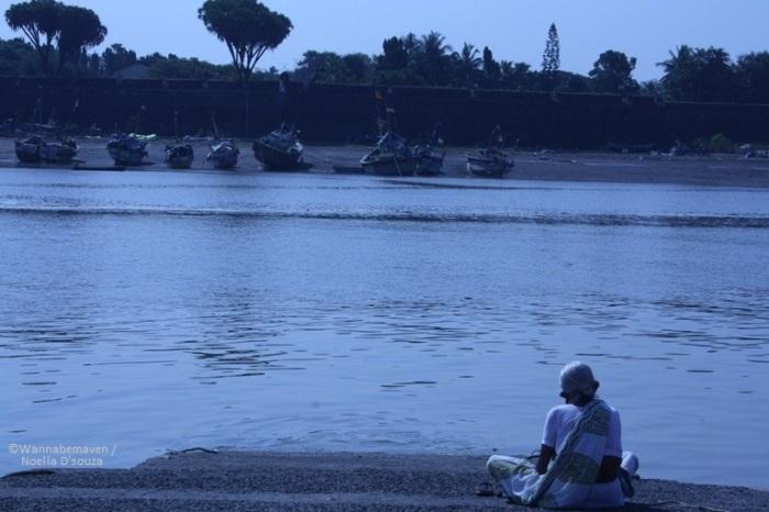 near Sao Jeronimo fort - Daman - People of Gujarat