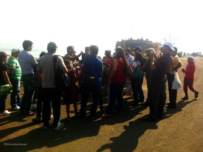 Sewri Jetty - A guide and a group of visitors who came to view flamingo's
