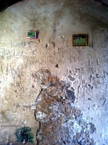 damaged walls inside sewri fort