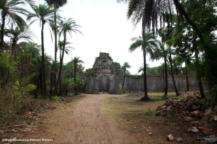 a ruined chapel inside Vasai fort