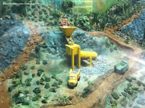 Quarrying for iron ore - Diorama Depiction at Goa State Museum